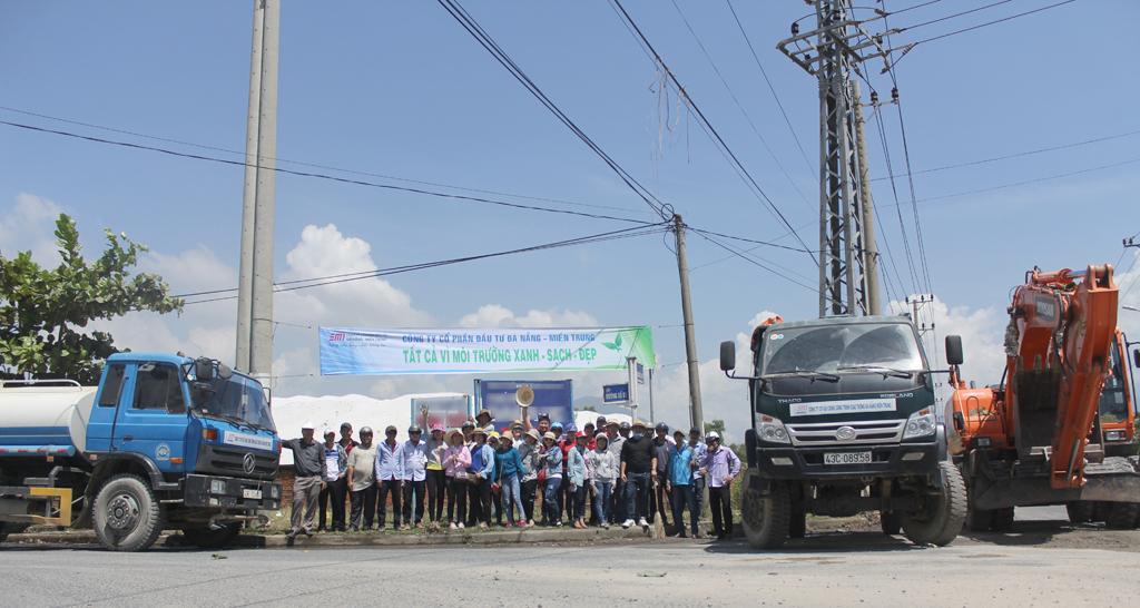 Công ty CP Đầu tư Đà Nẵng miền Trung (DMT) ra quân bảo vệ môi trường xanh - sạch - đẹp