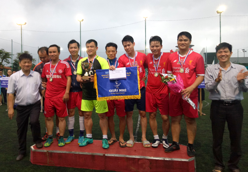 DMT GROUP - Tham dự giải bóng đá giao lưu nhân dịp kỷ niệm thành lập BIDV Hải Vân